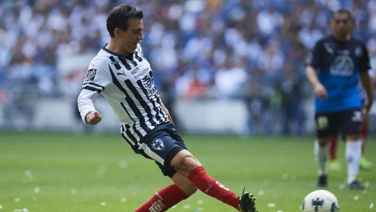 Luis Pérez en su paso por Rayados