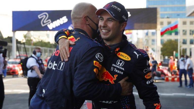 Sergio Pérez en festejo tras ganar el Gran Premio de Azerbaiyán