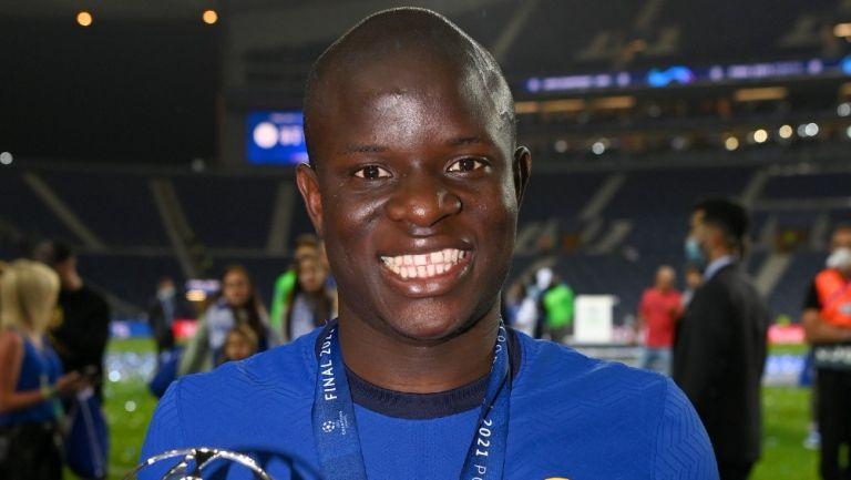 N'Golo Kante posa en la Final de la Champions League