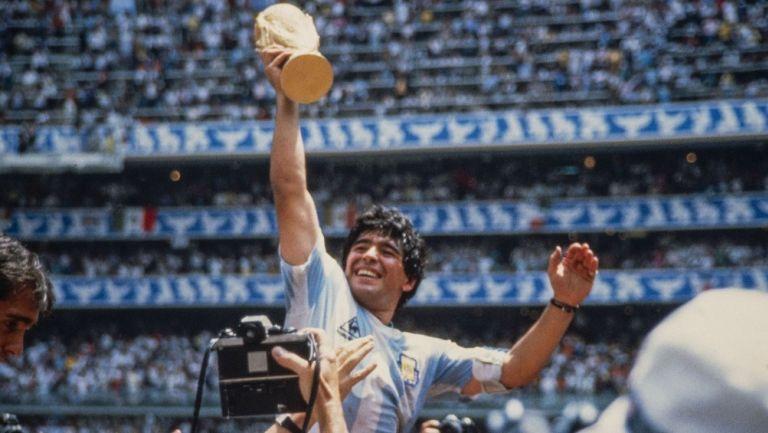 Diego Armando Maradona en festejo con Argentina