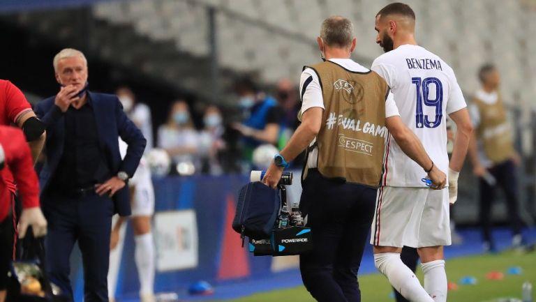 El DT de Francia descartó que sea de gravedad el golpe en la rodilla que recibió el delantero en amistoso ante Bulgaria