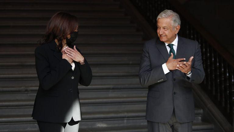 Andrés Manuel López Obrador junto a Kamala Harris