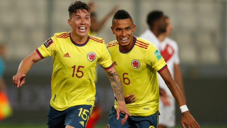 William Tesillo y Uribe festejando un gol a favor de Colombia