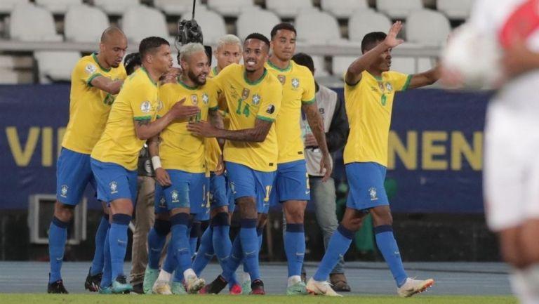Brasil goleó a Perú