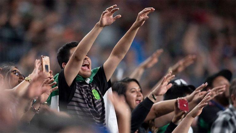 La afición mexicana durante un partido del Tri