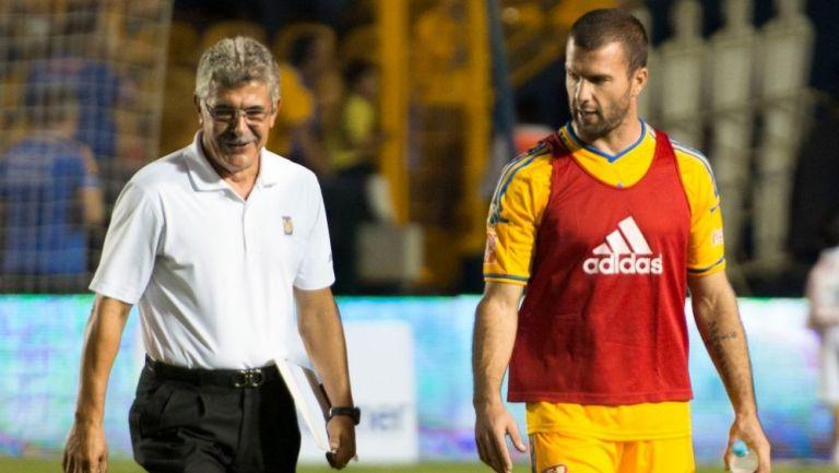 Emanuel Villa y Ricardo Ferretti como miembros de Tigres