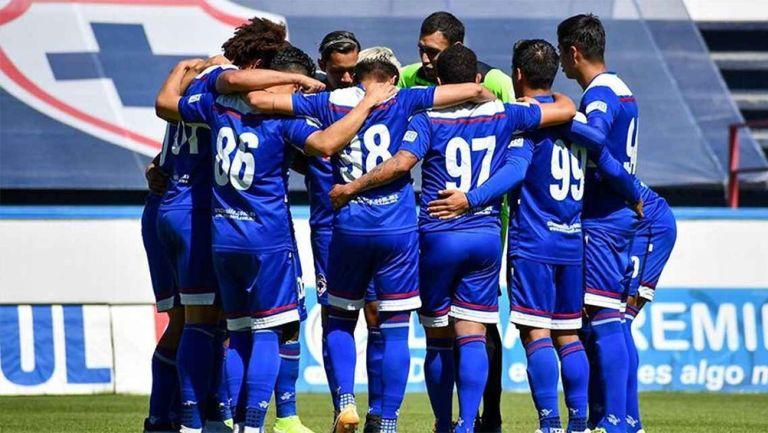 Jugadores de Cruz Azul Hidalgo previo a un partido