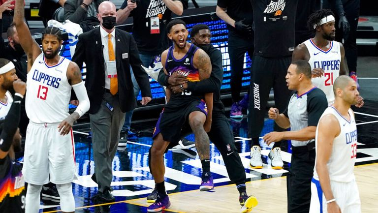 NBA Playoffs: Ayton anotó canasta ganadora y Suns toman ventaja ante Clippers