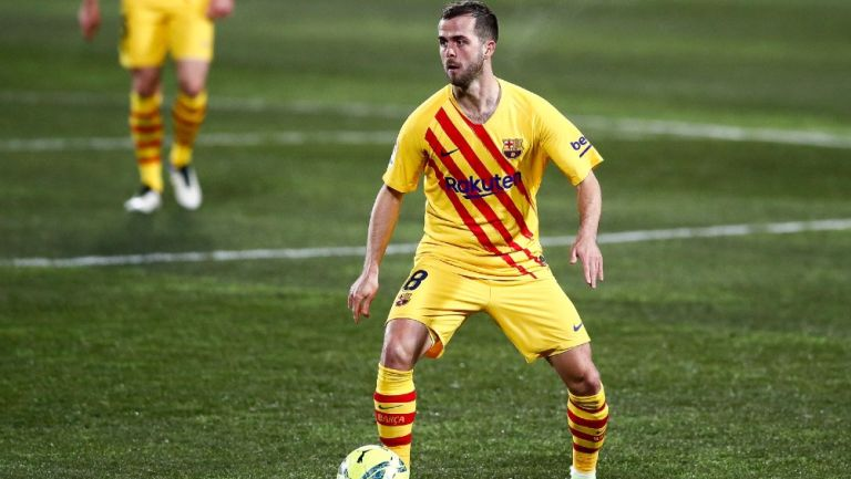 Miralem Pjanic en acción con el Barcelona