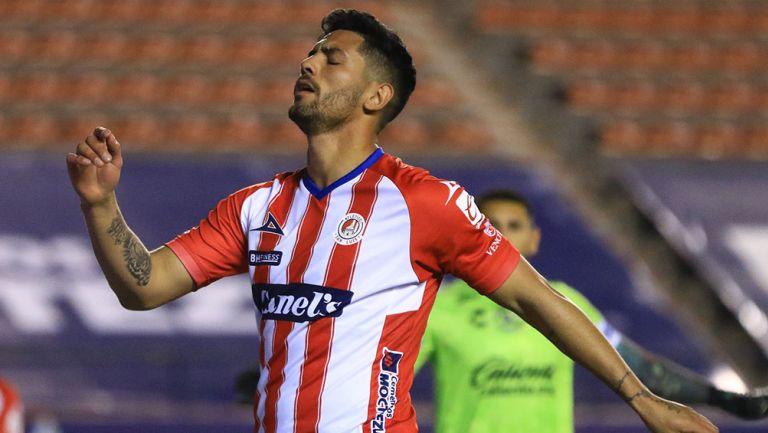 Lucas Passerini en partido con Atlético San Luis