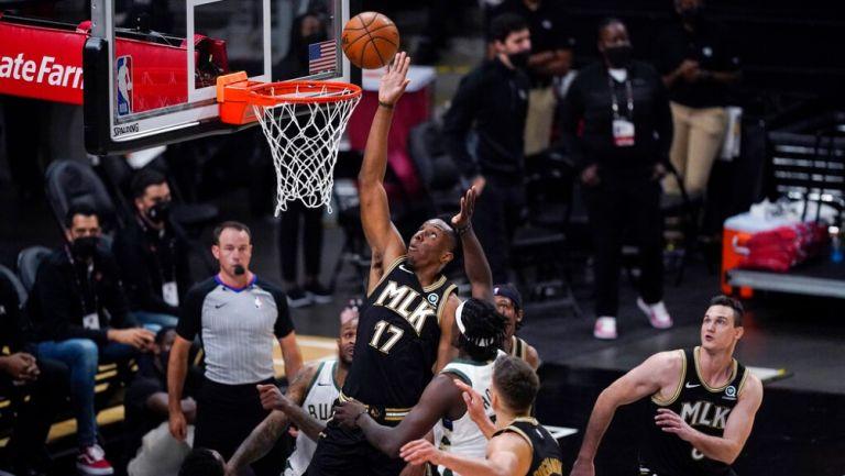 NBA Playoffs: Atlanta venció a Milwaukee e igualó la serie a dos triunfos por bando