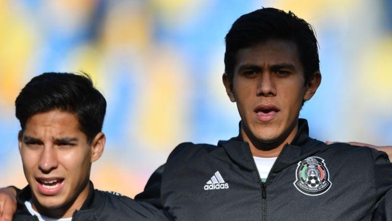 Lainez y Macías previo a un partido con México