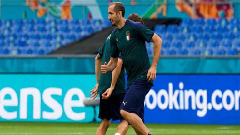 Chiellini en un entrenamiento con Italia