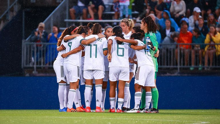 Jugadoras de la Selección Mexicana Femenil previo a un partido