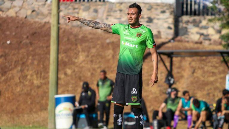 Jesús Zavala en partido con Juárez