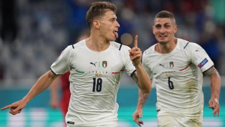 Barella y Verratti festejando un gol a favor de Italia