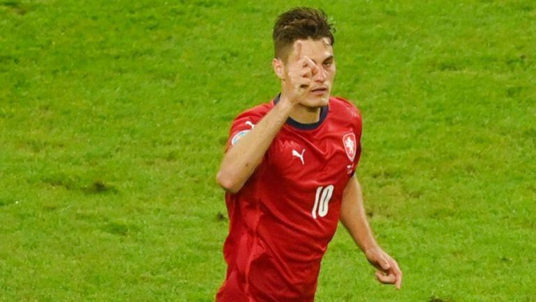 Patrik Schick tras anotar gol ante Dinamarca