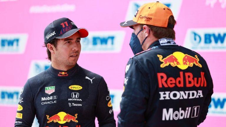 El piloto mexicano Sergio 'Checo' Pérez junto a su compañero holandés Max Verstappen