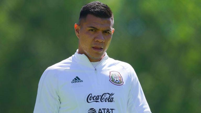 Brayton Vázquez en un entrenamiento con la Selección Mexicana