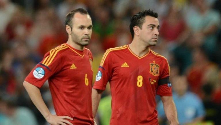 Iniesta y Xavi con España