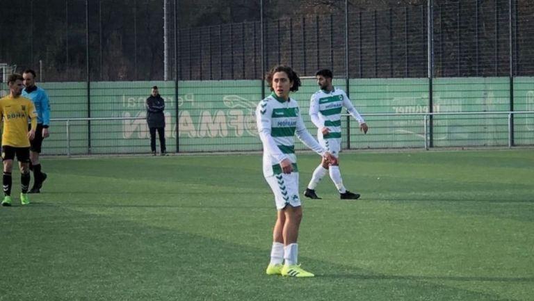 Joel Bustamante en acción con el Greuther Fürth