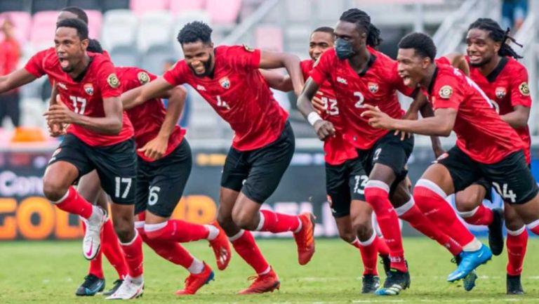 Trinidad y Tobago en festejo ante la selección de Guyana Francesa