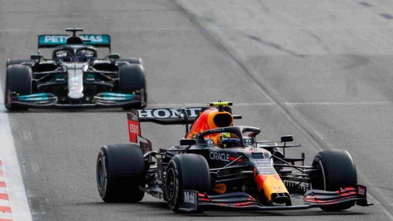 Monoplazas de Mercedes y Red Bull
