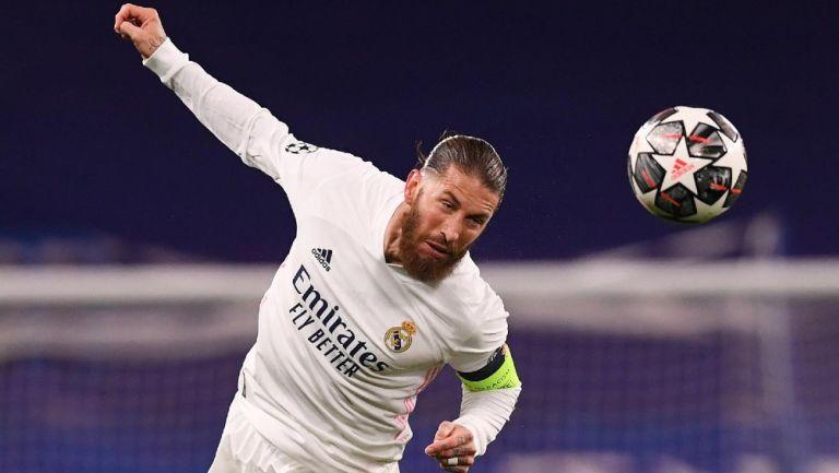 Sergio Ramos en acción con el Real Madrid