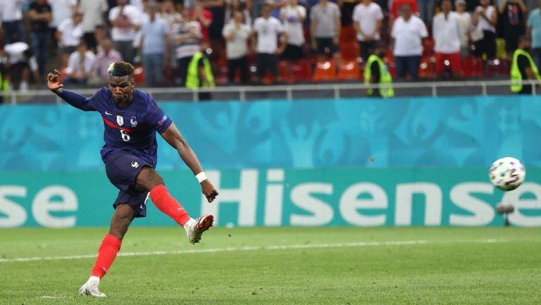 Paul Pogba durante un partido con Francia