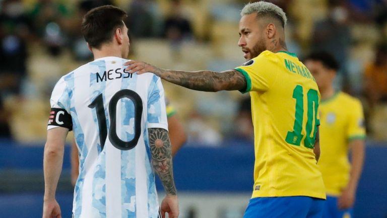Messi y Neymar durante la Final de la Copa América