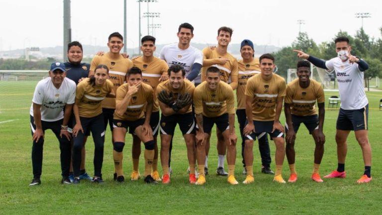 Jugadores de Pumas en un entrenamiento