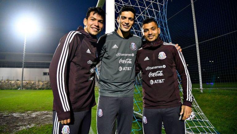 Lozano, Jiménez y Corona en un entrenamiento de la Selección Mexicana