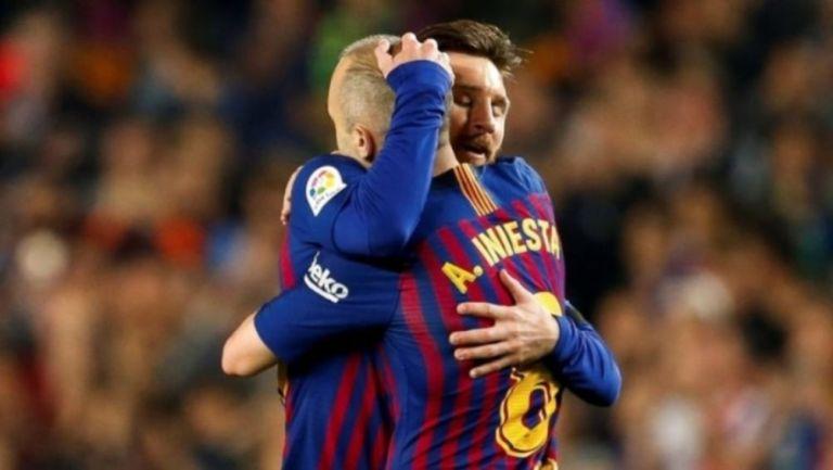 Iniesta y Messi celebrando un gol a favor del Barcelona