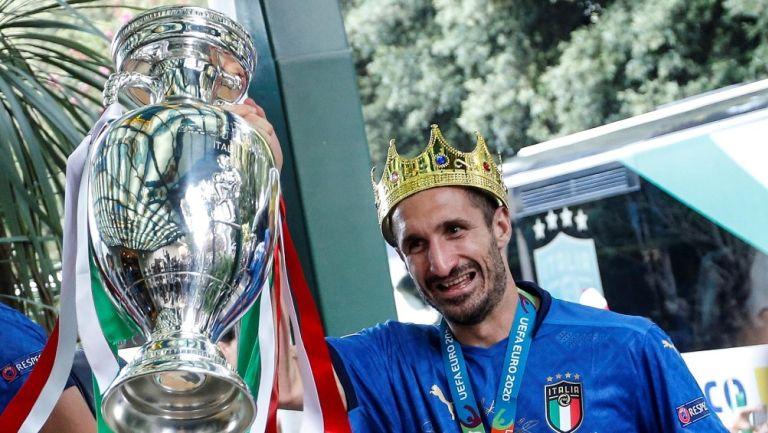 Eurocopa 2020: Giorgio Chiellini tomó fotografía del trofeo como Fabio Cannavaro