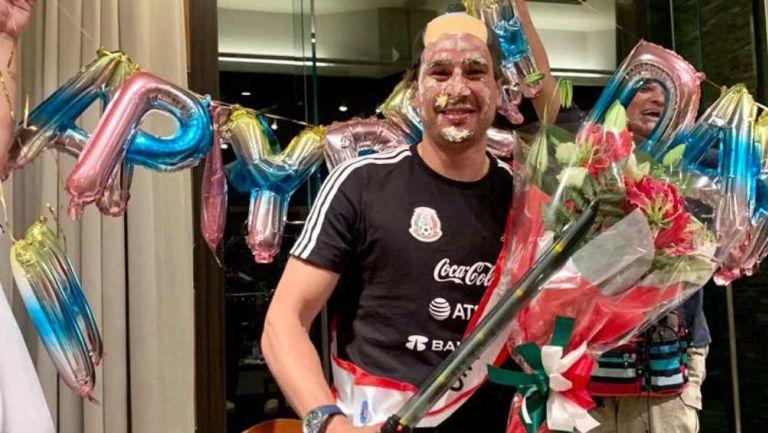 Memo Ochoa en festejo