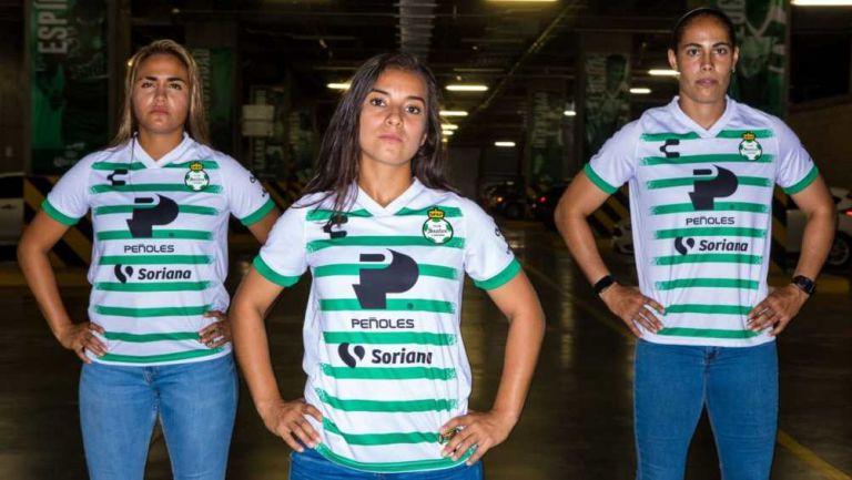 Santos Femenil uniforme