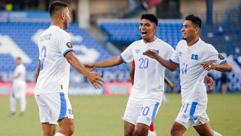 El Salvador en celebración