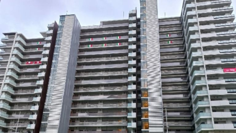 Bandera de México ya luce en la Villa Olímpica