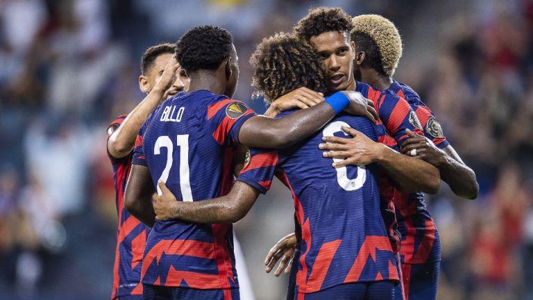 Jugadores de EEUU celebrando un gol