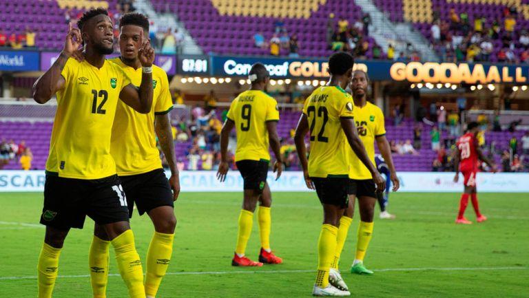 Jugadores de Jamaica en festejo de gol