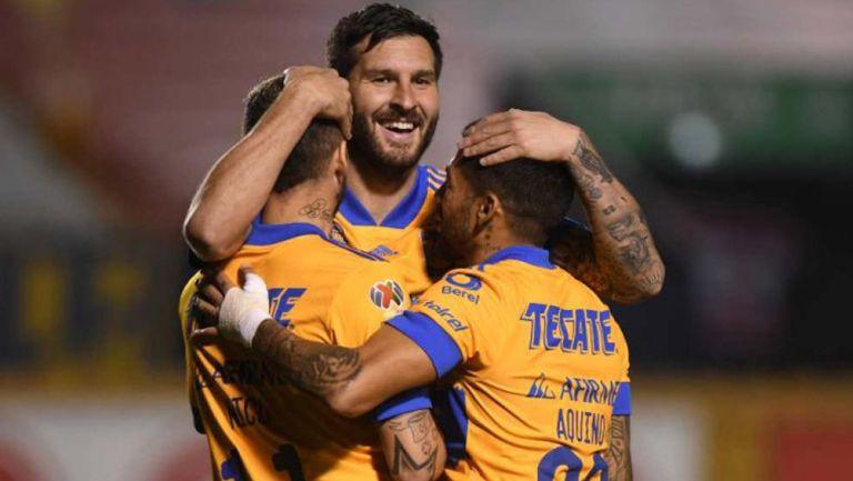 Tigres en festejo de gol