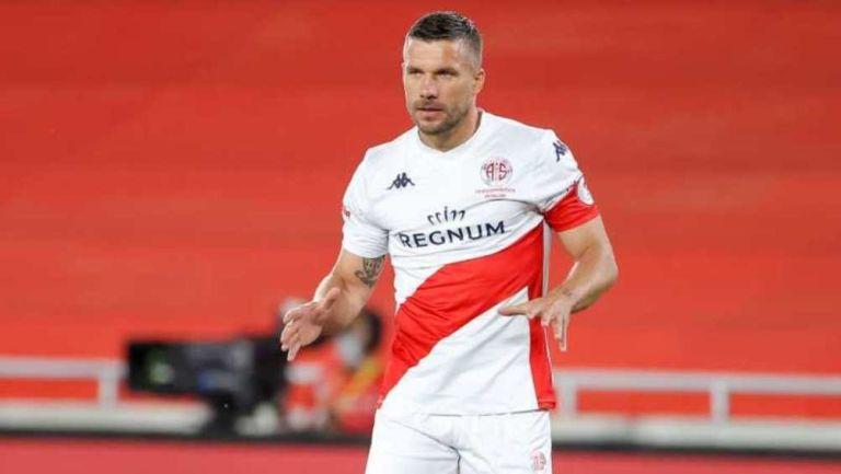 Podolski en partido