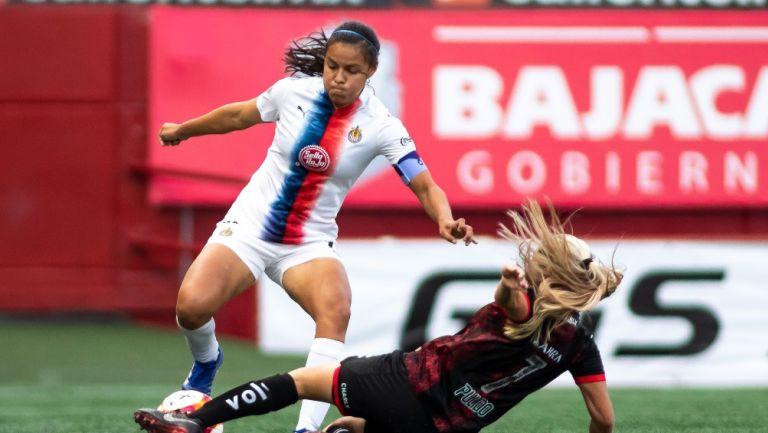 Jaqueline Rodríguez durante un partido con Chivas
