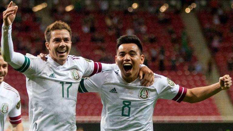 Córdova y Charly Rodríguez en festejo de gol