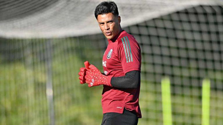 Alfredo Talavera en entrenamiento con México