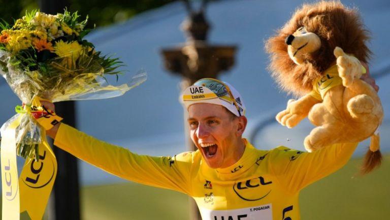 Tadej Pogacar tras ganar el Tour de Francia