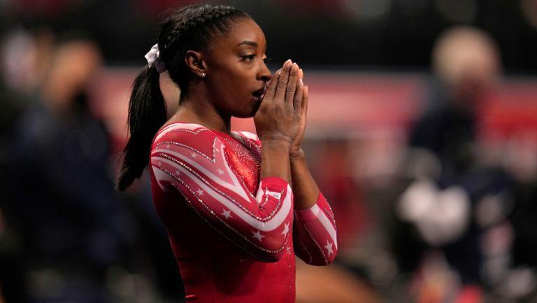 Simone Biles durante las pruebas de gimnasia olímpica femenina