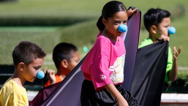 Niños en el Estadio Corregidora