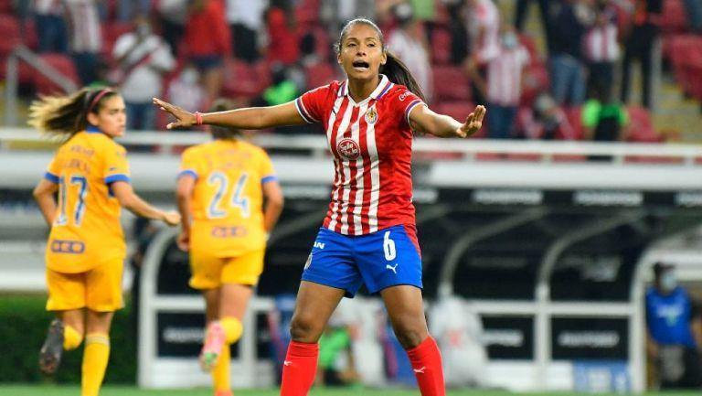 """Chivas: Miriam Castillo """"seamos ejemplo dentro y fuera de la cancha"""""""