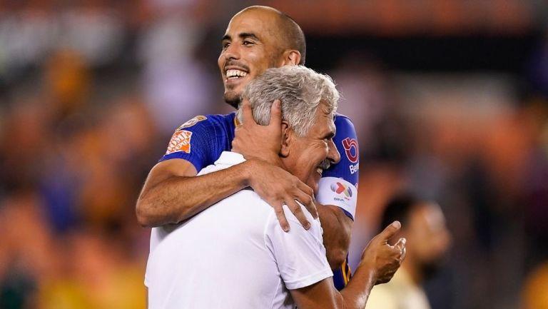 Tuca Ferretti y Pizarro en un juego con Tigres